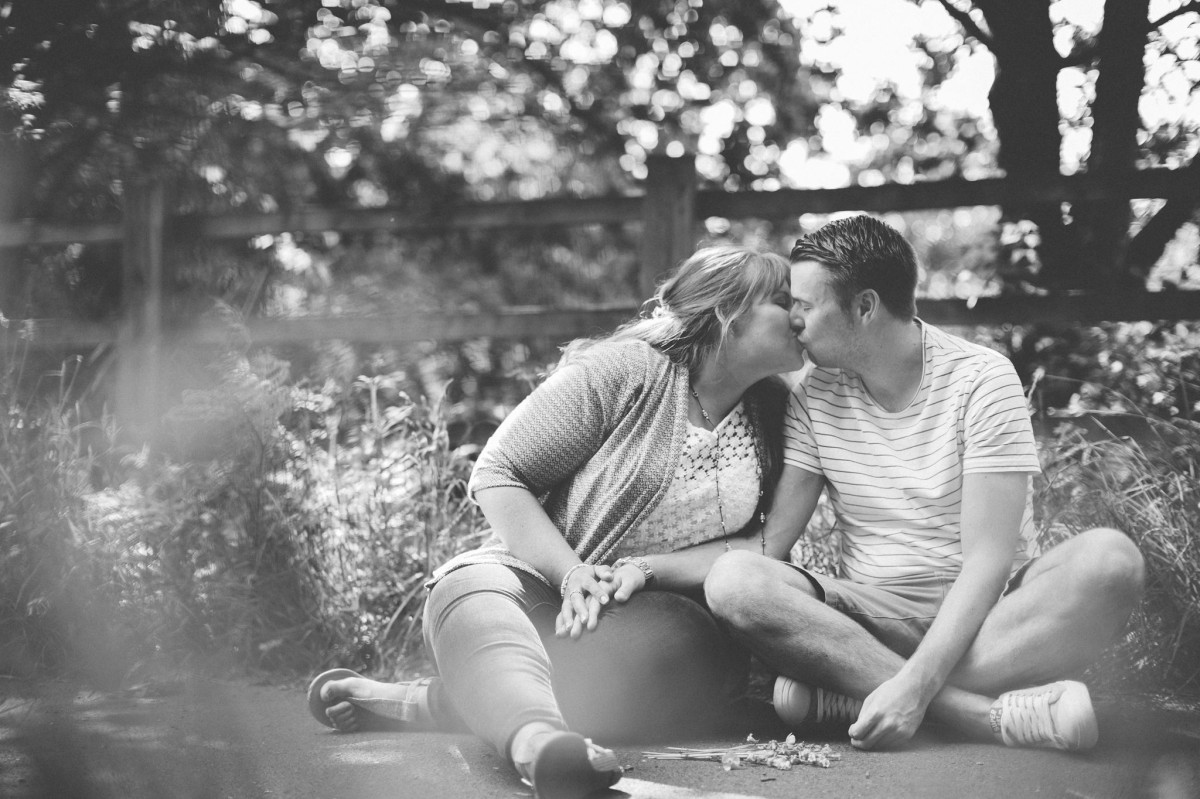 laura_sam_engagement_shoot_tonteg_miskin_manor_wedding_rachel_lambert_photography_ 17