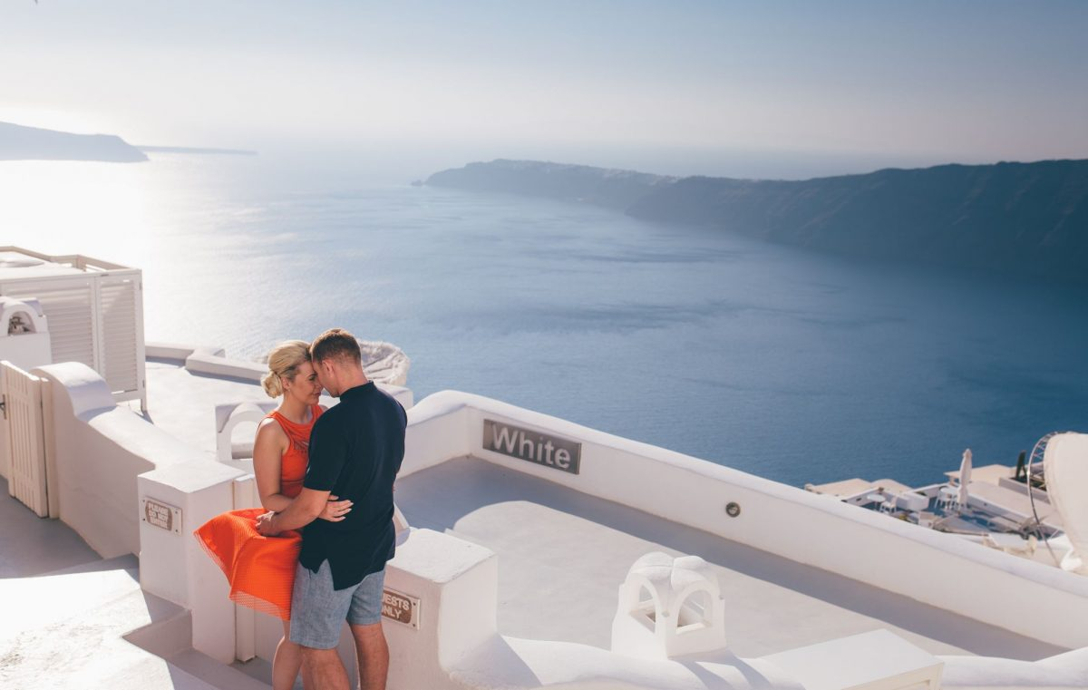 rachel_lambert_photography_santorini_greece_pre-wedding_shoot_engagement_rach_matt_ 1