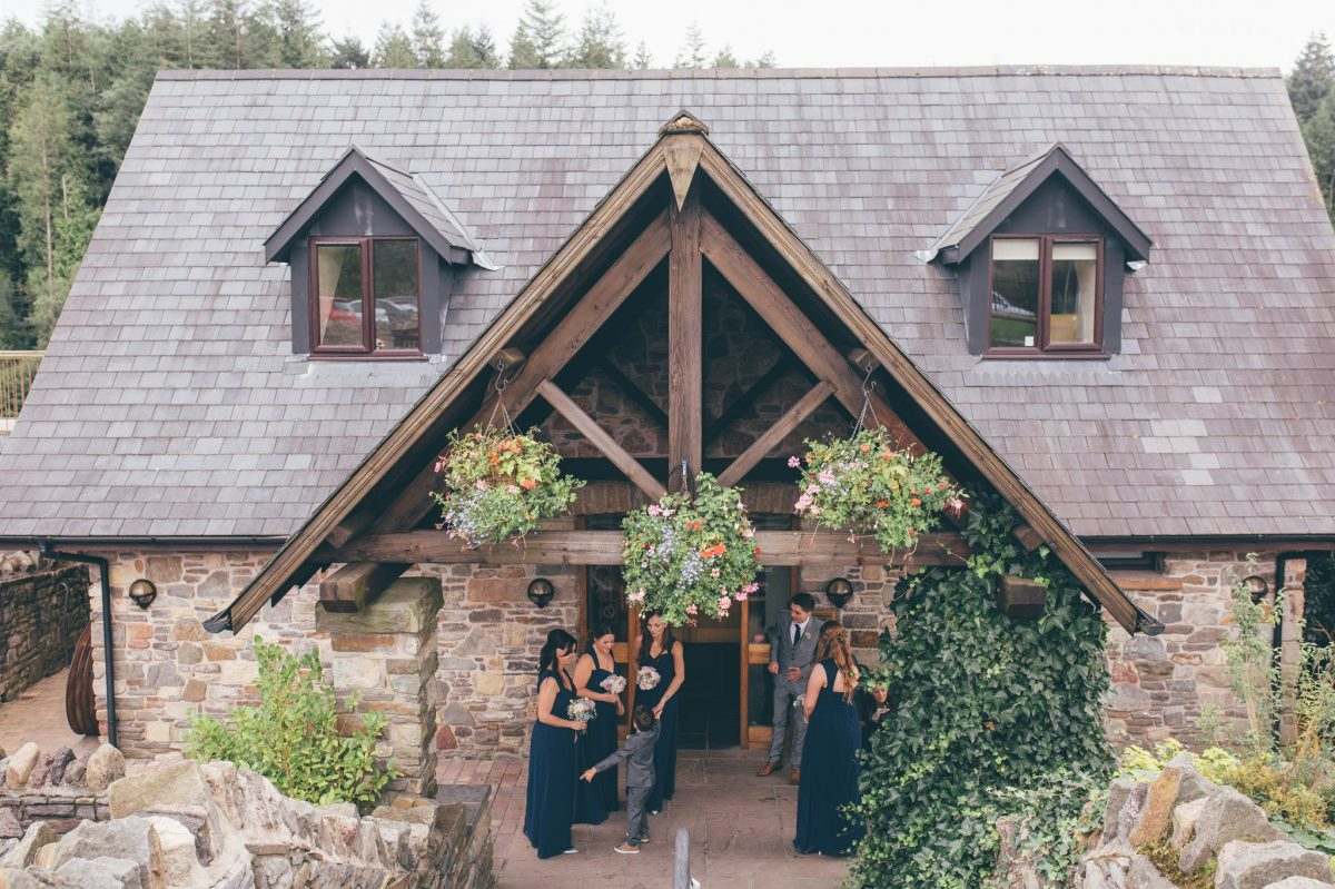 welsh_wedding_photographer_rachel_lambert_photography_canada_lake_lodge_michaela_haydn_ 41