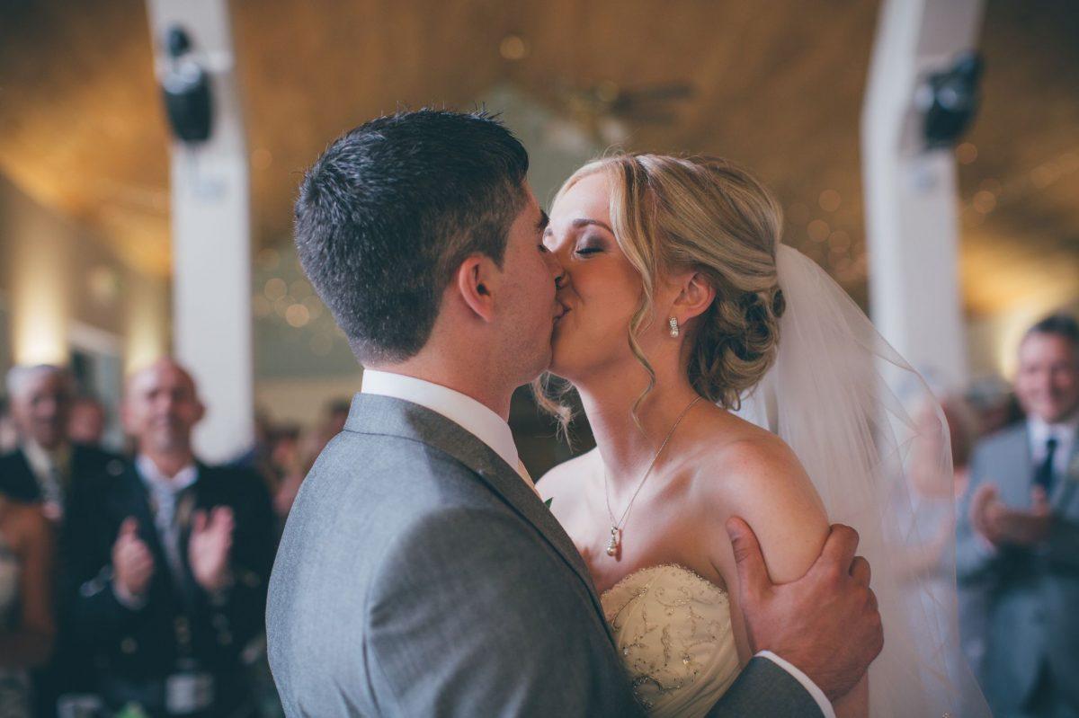 welsh_wedding_photographer_rachel_lambert_photography_canada_lake_lodge_michaela_haydn_ 60