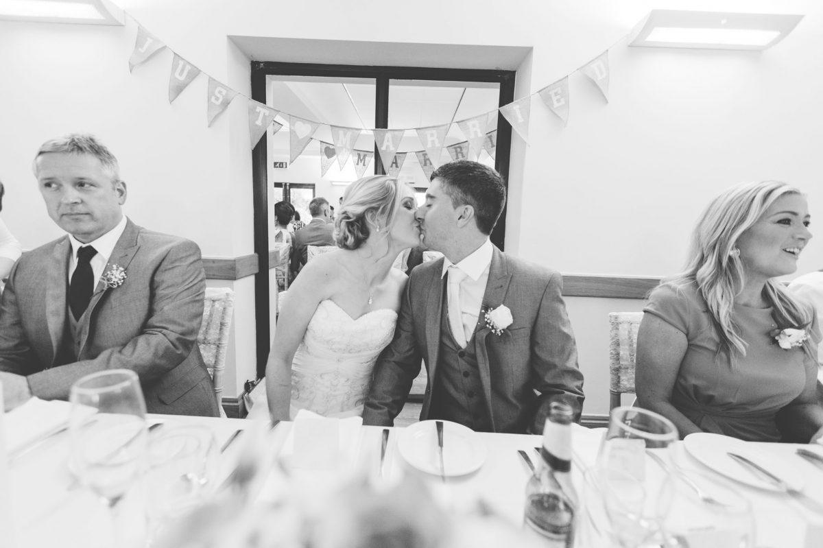 welsh_wedding_photographer_rachel_lambert_photography_canada_lake_lodge_michaela_haydn_ 84