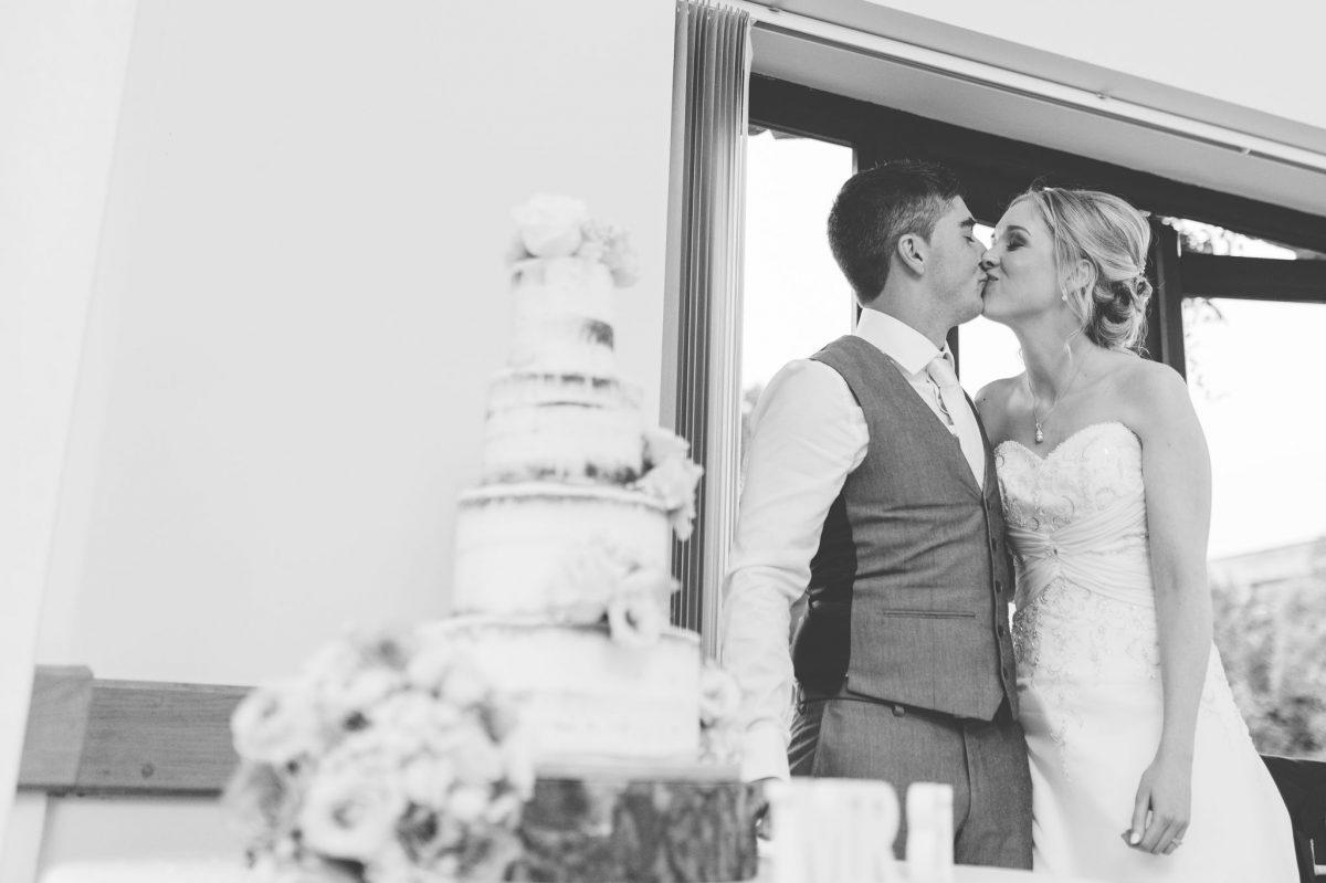 welsh_wedding_photographer_rachel_lambert_photography_canada_lake_lodge_michaela_haydn_ 89