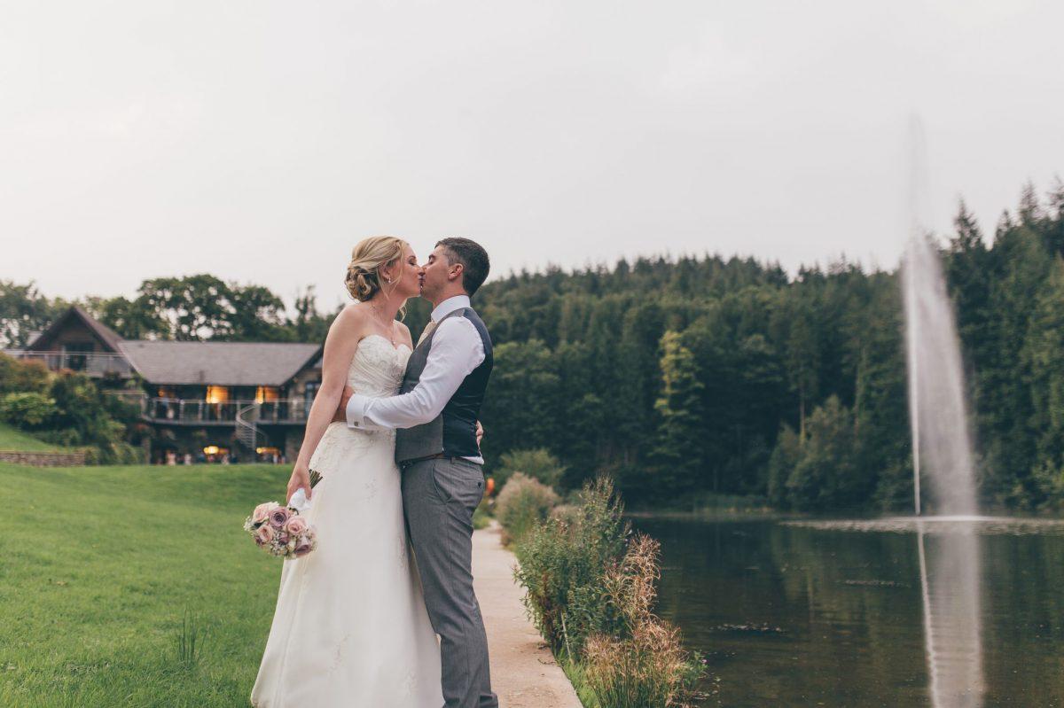 welsh_wedding_photographer_rachel_lambert_photography_canada_lake_lodge_michaela_haydn_ 91