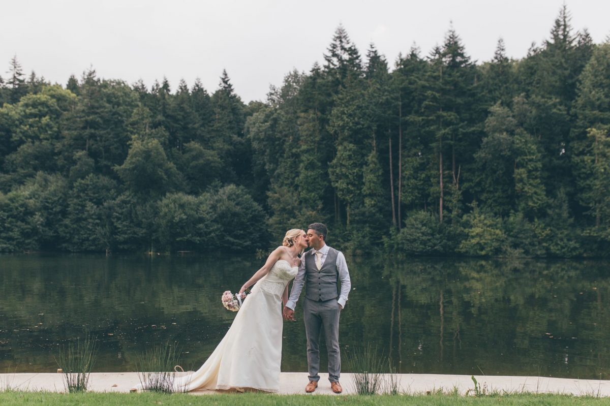 welsh_wedding_photographer_rachel_lambert_photography_canada_lake_lodge_michaela_haydn_ 92