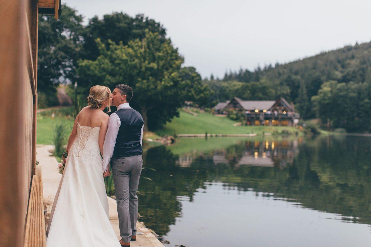 welsh_wedding_photographer_rachel_lambert_photography_canada_lake_lodge_michaela_haydn_ 96