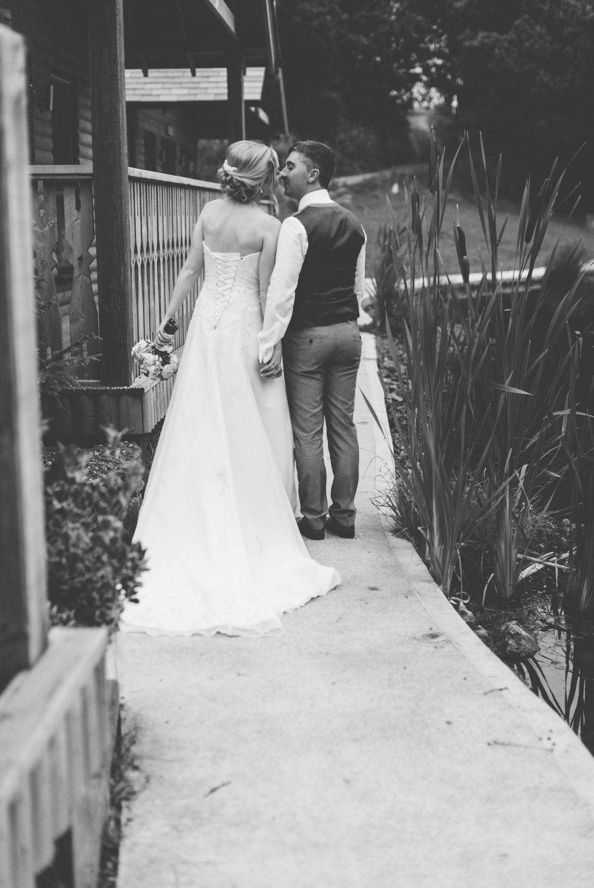 welsh_wedding_photographer_rachel_lambert_photography_canada_lake_lodge_michaela_haydn_ 99
