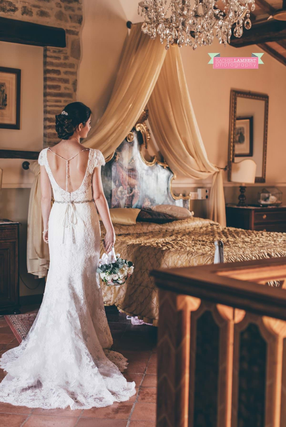 wedding in italy cortona tuscany villa san crispolto bride portrait