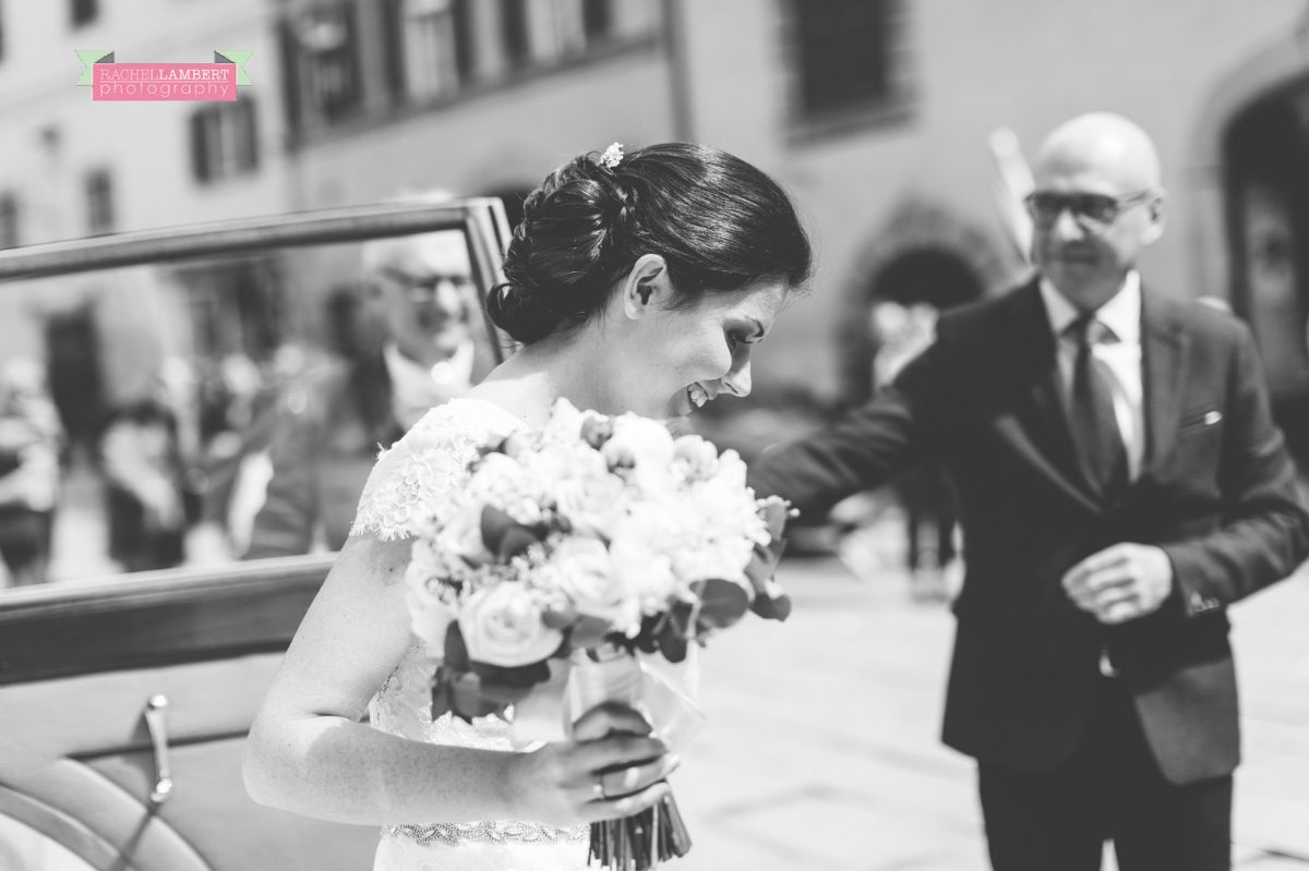 wedding in italy colour cortona tuscany town hall ceremony bride arriving