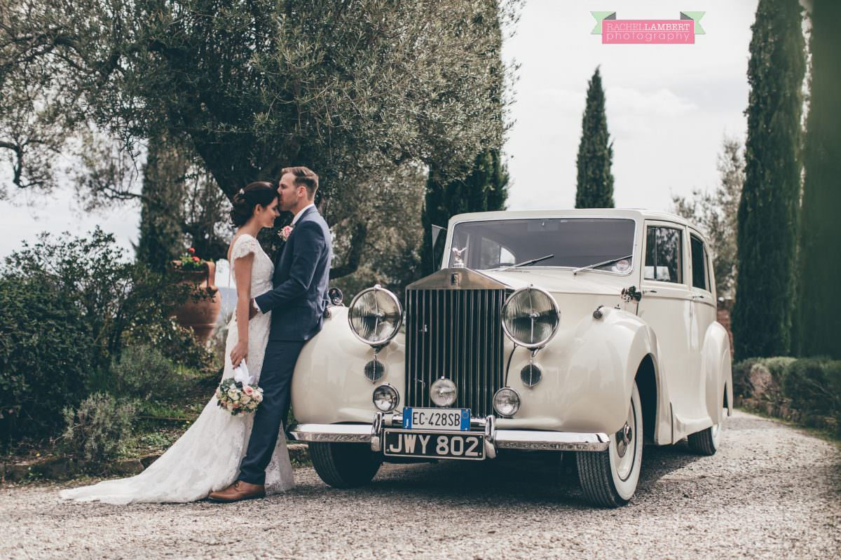 bride and groom portrait wedding in italy wedding car