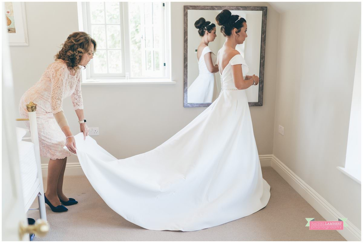 elmore court wedding photographer mother and bride