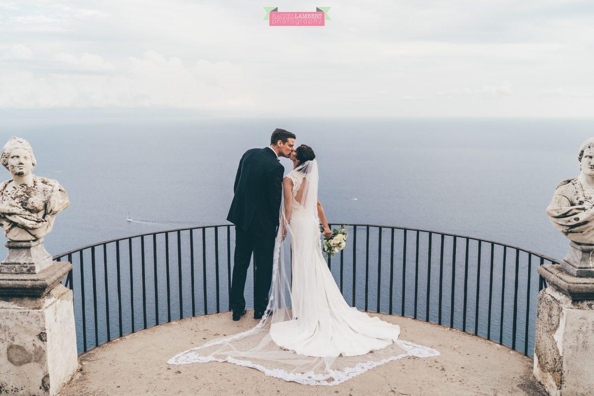 villa cimbrone ravello amalfi wedding photos bride and groom couple shots infinity terrace