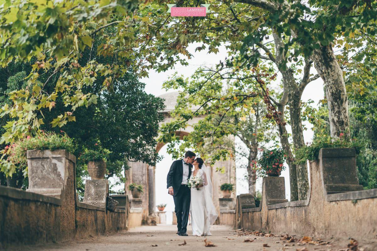villa cimbrone ravello amalfi wedding photos couple shots