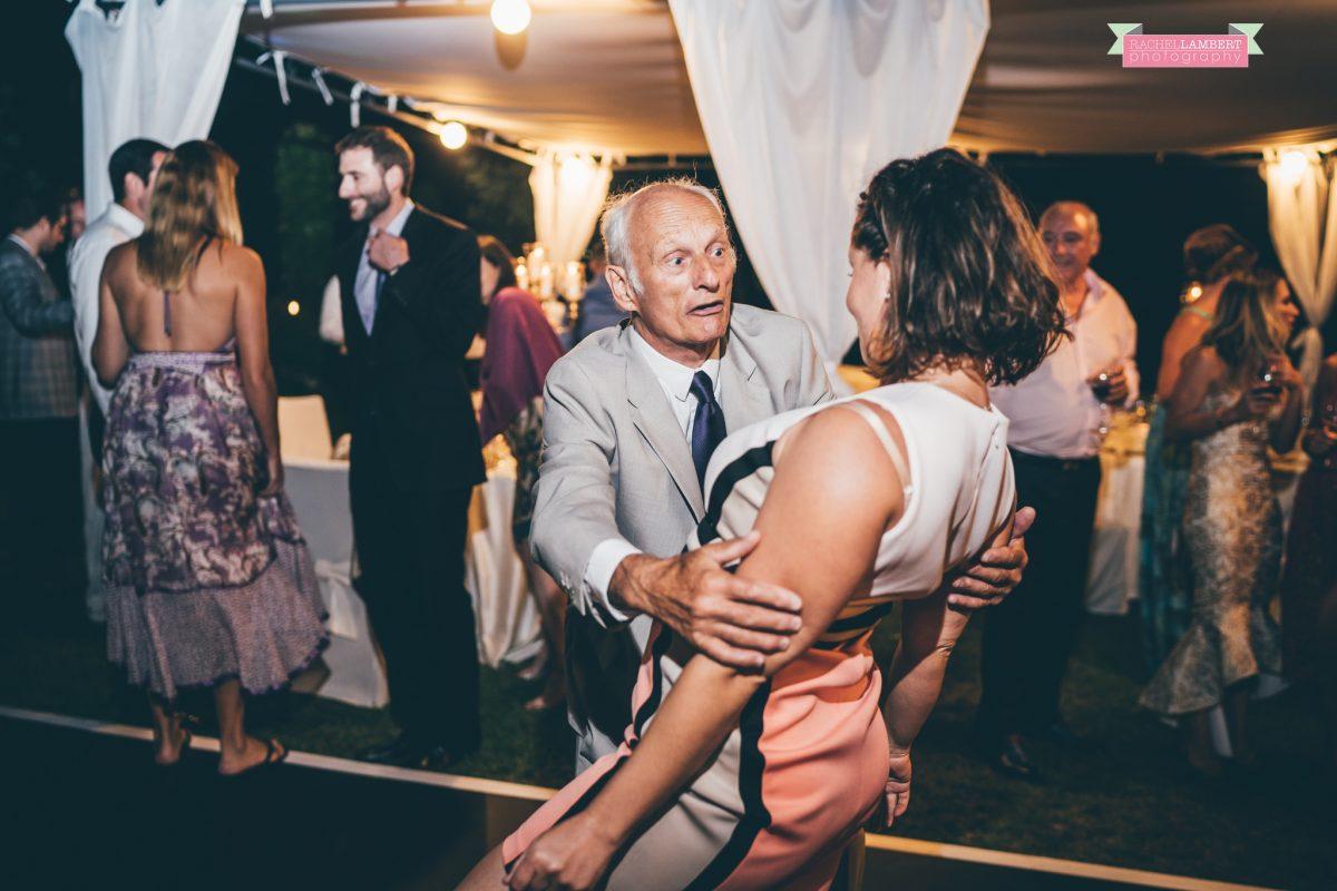 villa cimbrone ravello amalfi wedding photos dancing shots
