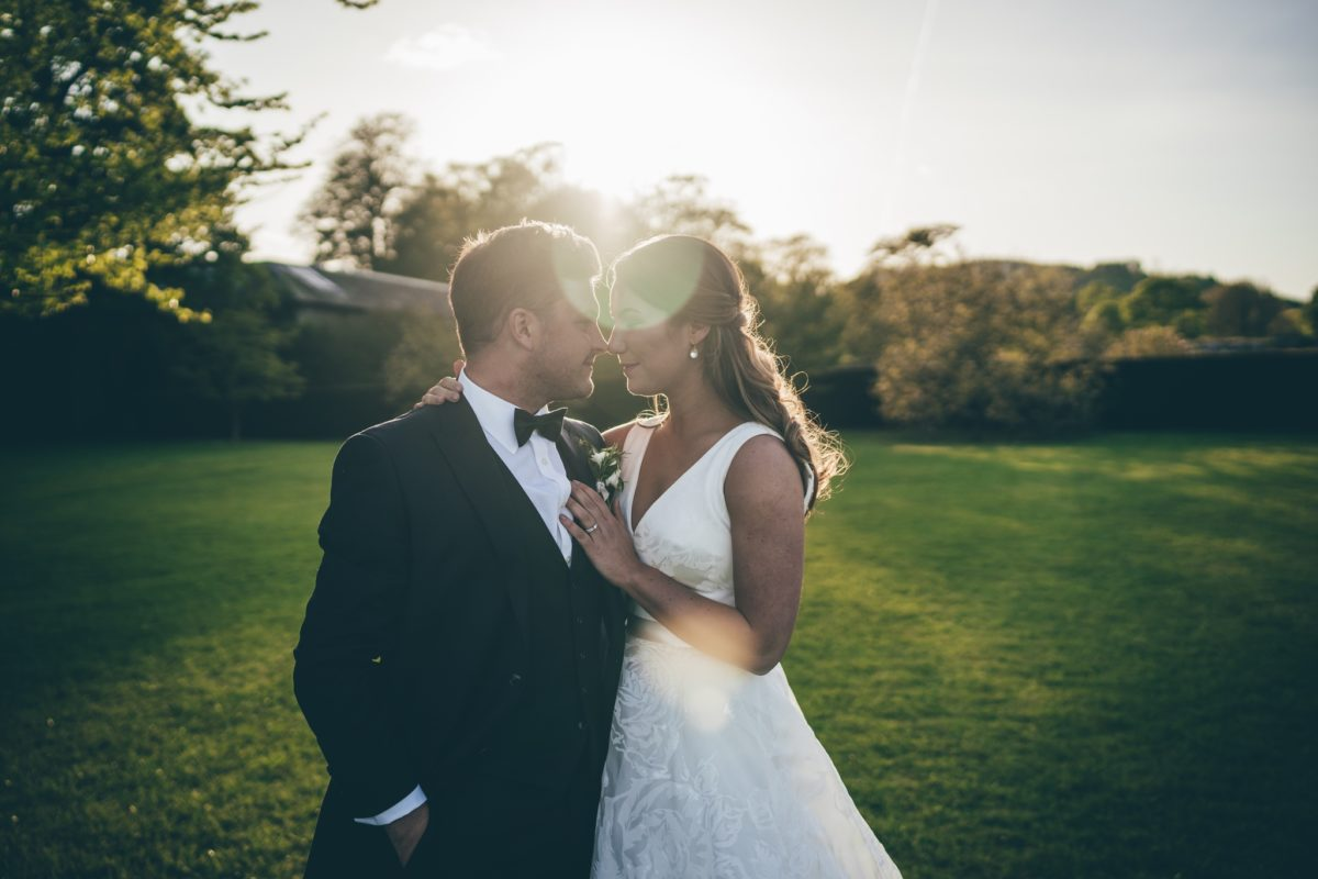 How to plan my wedding day golden hour