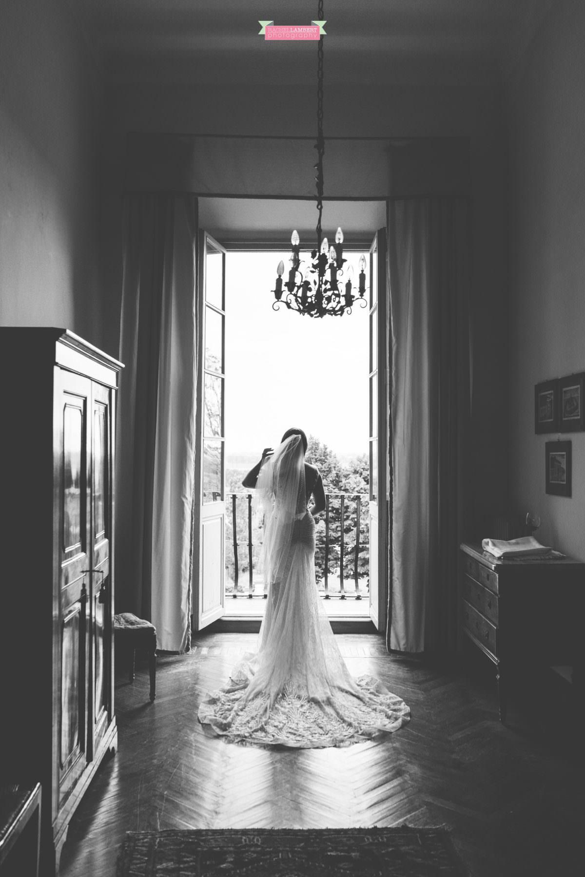 destination weddings photographers in italy pisa villa lungomonte the bride