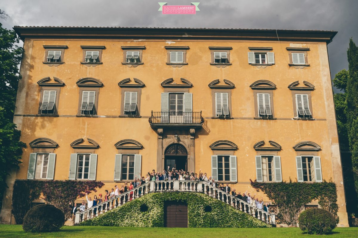 destination weddings photographers in italy pisa villa lungomonte group shots of guests