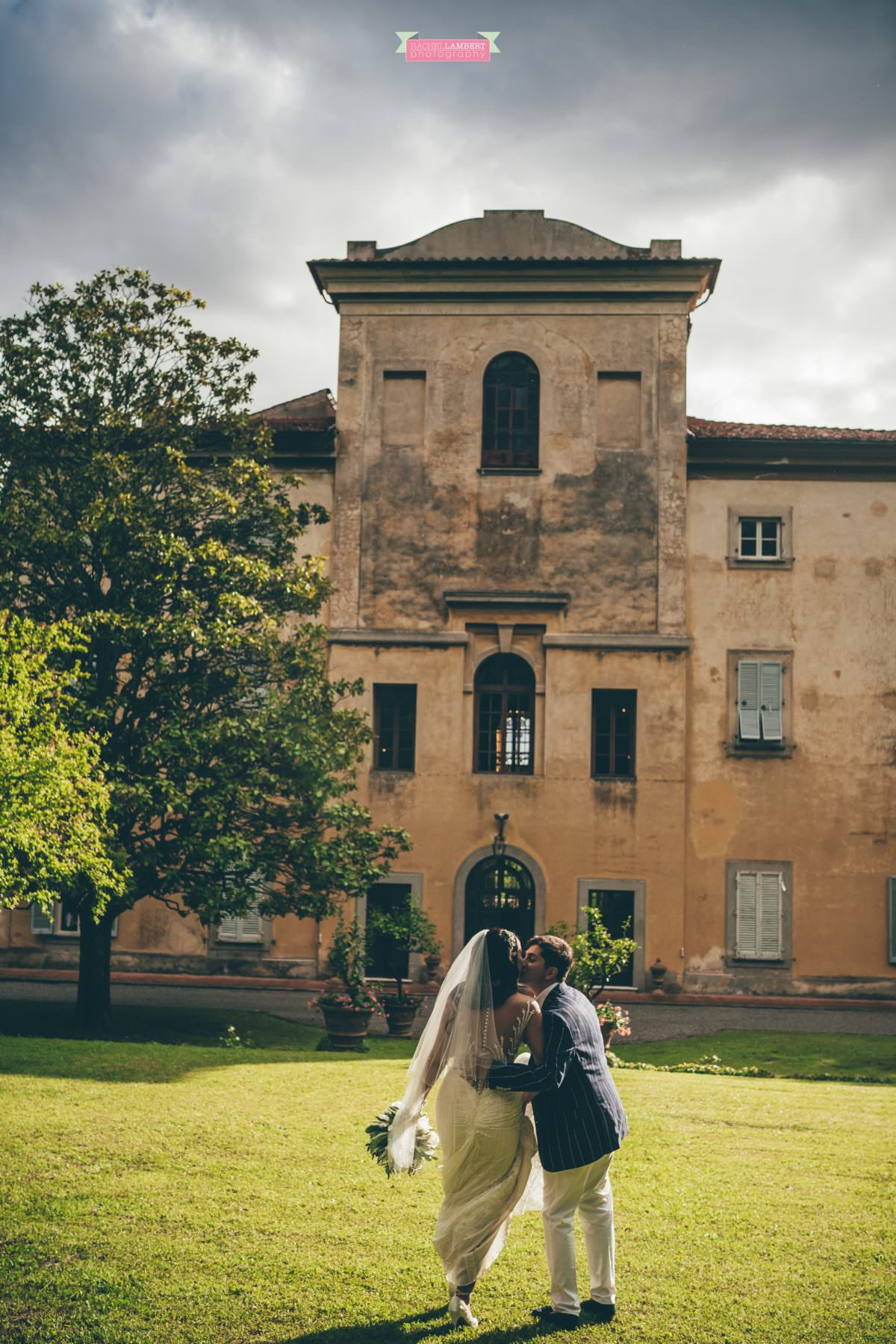 destination weddings photographers in italy pisa villa lungomonte
