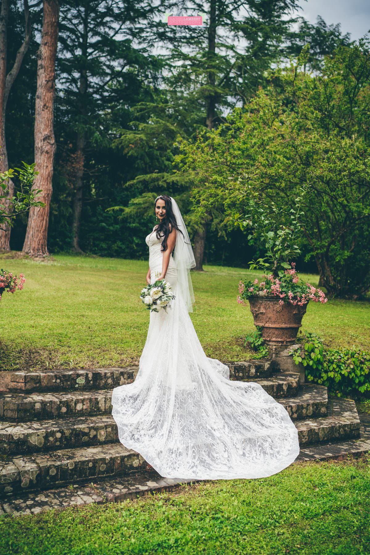 destination weddings photographers in italy pisa villa lungomonte couple shots bride
